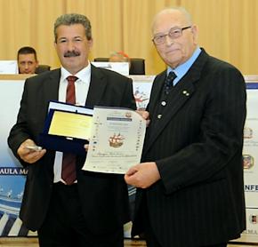 """Ο Γιώργος Πασχαλίδης βραβεύτηκε με το ΙX Διεθνές Βραβείο """"Giuseppe Sciacca"""" 2010 (Pontificia Univer"""