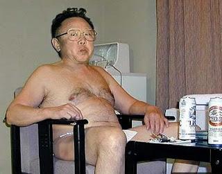 kim-jong-il-relaxing1.jpg