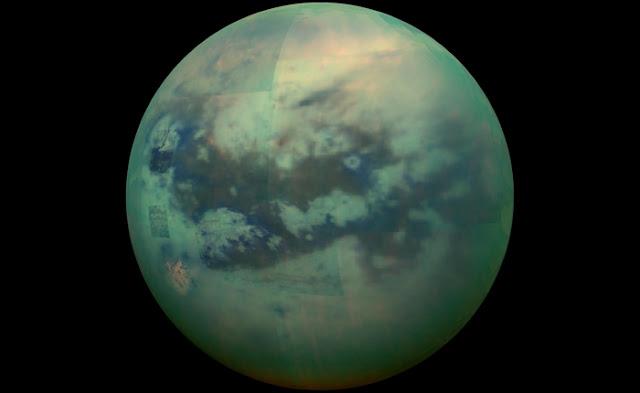 Cassini Intip Permukaan Titan yang Ditutupi Kabut Tebal
