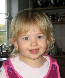 Alma 1 år 9 måneder