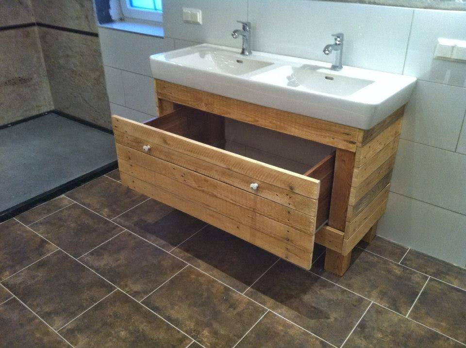 Sonar Con Un Baño Inundado: con lavabo doble, pero se puede adaptar a vuestras necesidades de