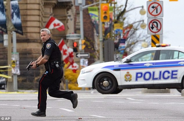 OTTAWA COP RUNNING OCTOBER 2014