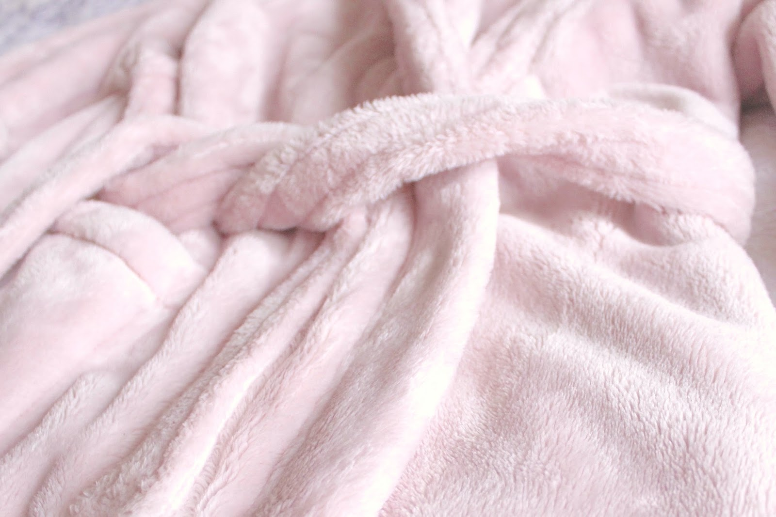 Rosie for Autograph Hooded Luxury Dressing Gown in Dusky Pink