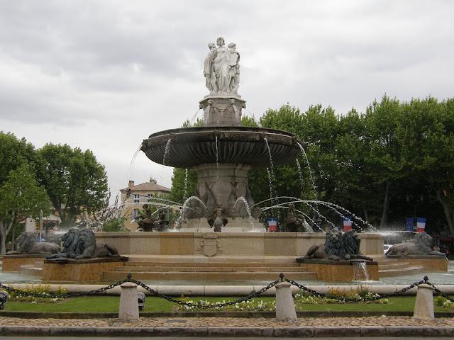 Aix en Provence Fontaine la rotonde