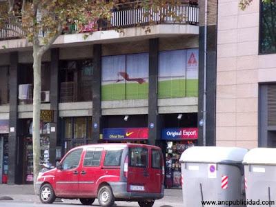 ventanas con vinilo microperforado Barcelona