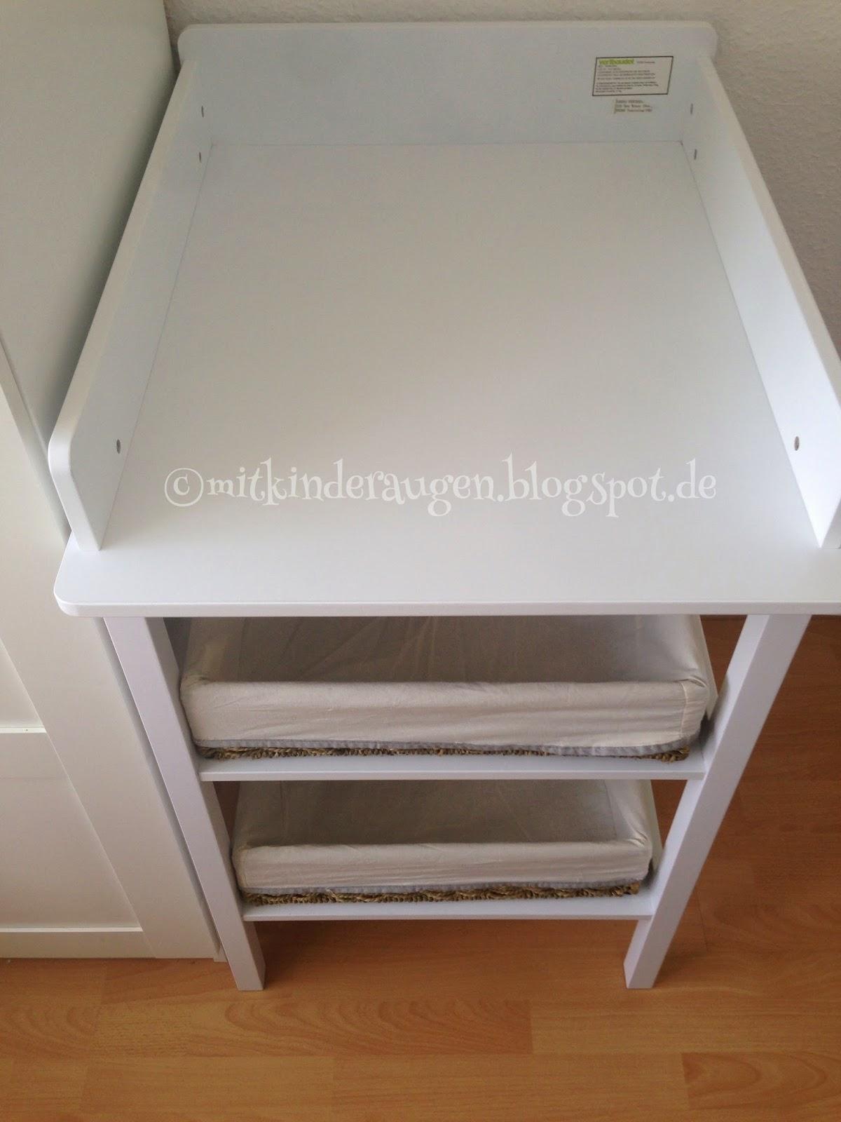 mit kinderaugen familien und reise blog schmal und praktisch unser neuer wickeltisch. Black Bedroom Furniture Sets. Home Design Ideas