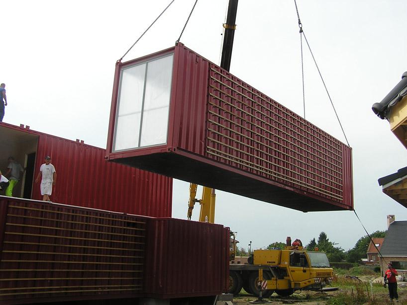 dicas do mundo da criatividade contentores ou containers viram casa. Black Bedroom Furniture Sets. Home Design Ideas