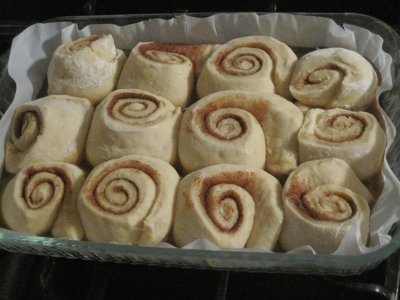 BreakingEleven: Grandma's Overnight Caramel-Pecan Rolls