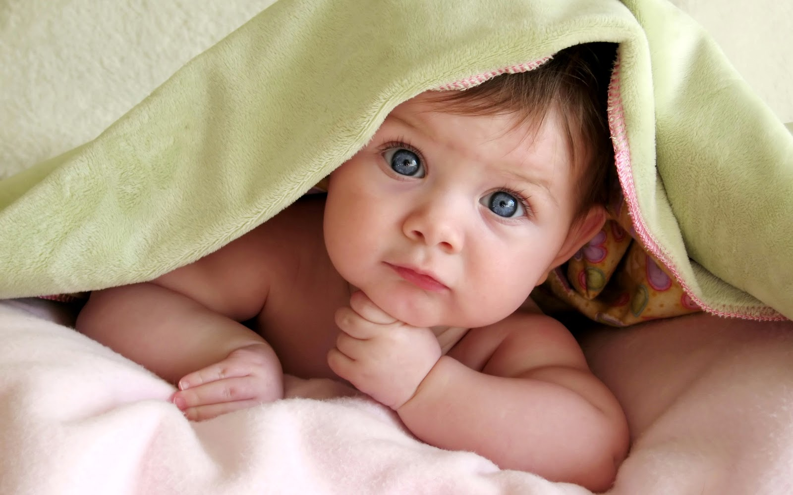 Must see Wallpaper High Quality Baby - cute_baby_starring-wide  Collection_115418.jpg