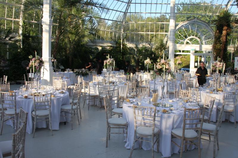 Kavita Amp Johns Combined Vintage English Wedding Amp Vibrant Hindu Wedding At Sefton Park Palm House