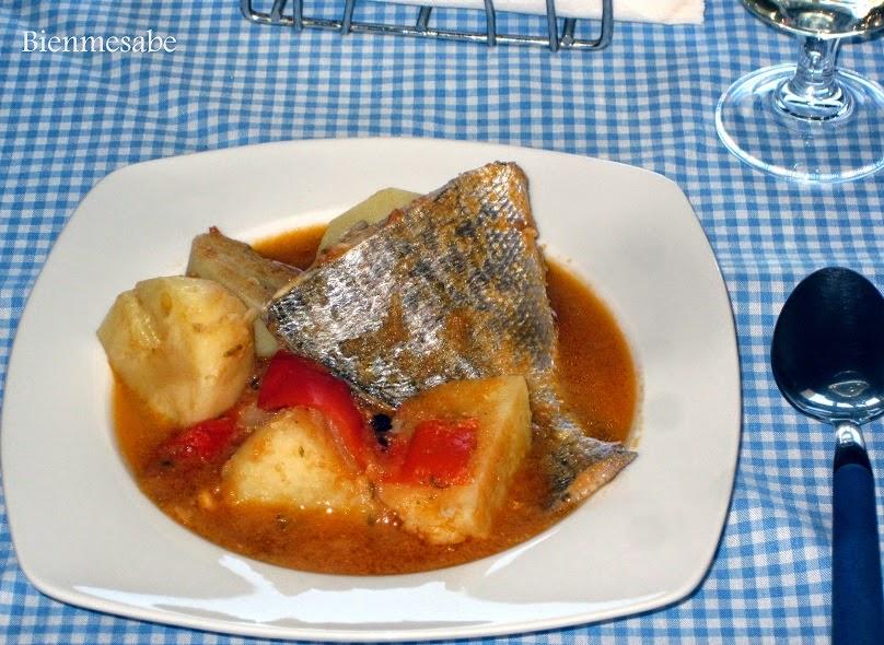 guiso de patatas y pescado