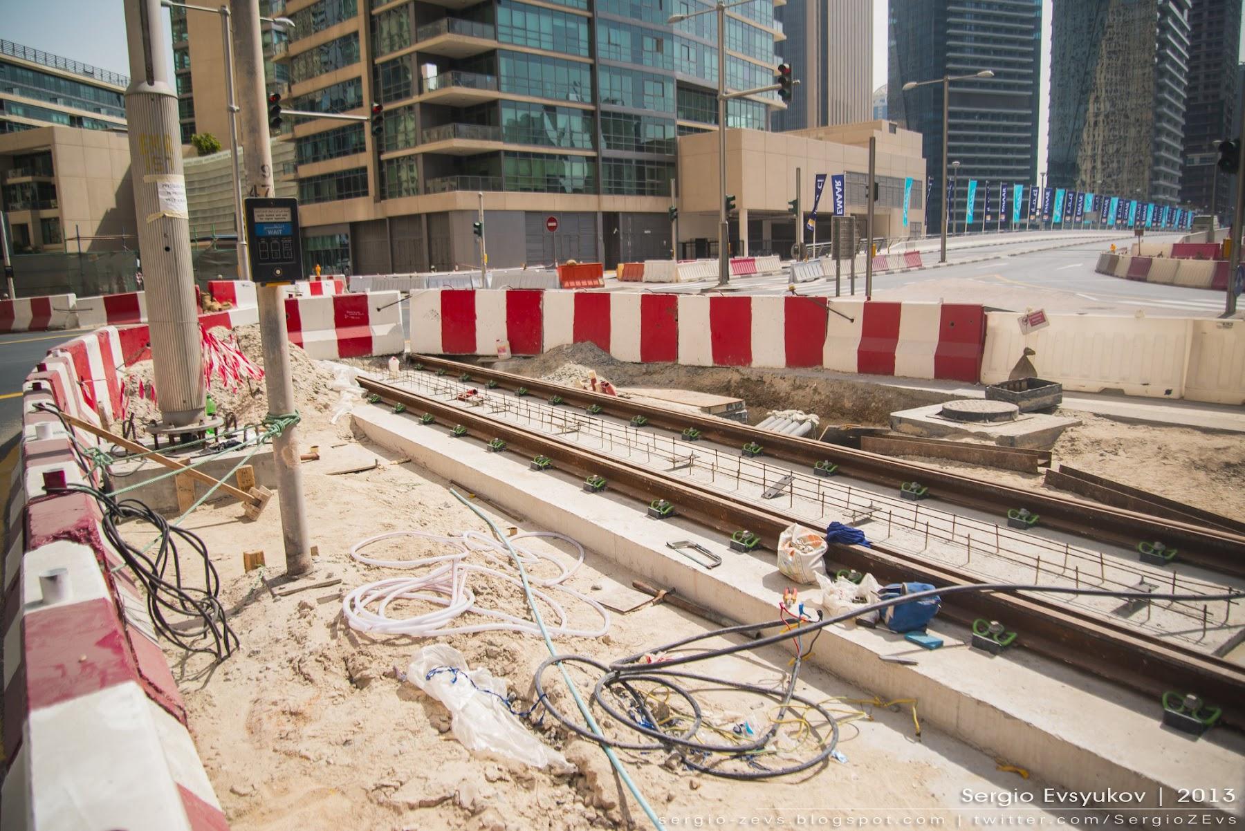 Tram in Dubai Marina
