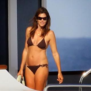 English: Cindy Crawford Chocolate Bikini St Tropez