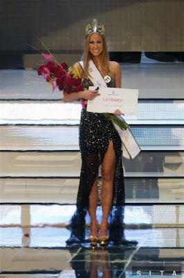 Ľubica Štepánová Crowned Miss Universe Slovak Republic 2012