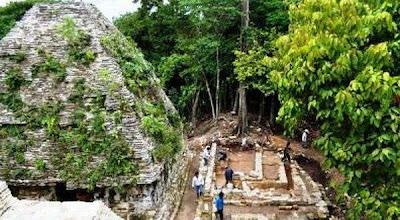 Istana Suku Maya