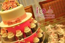 .: Cake + Cupcakes Tower :.