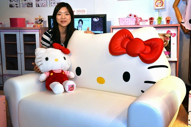 sofa anak hello kitty