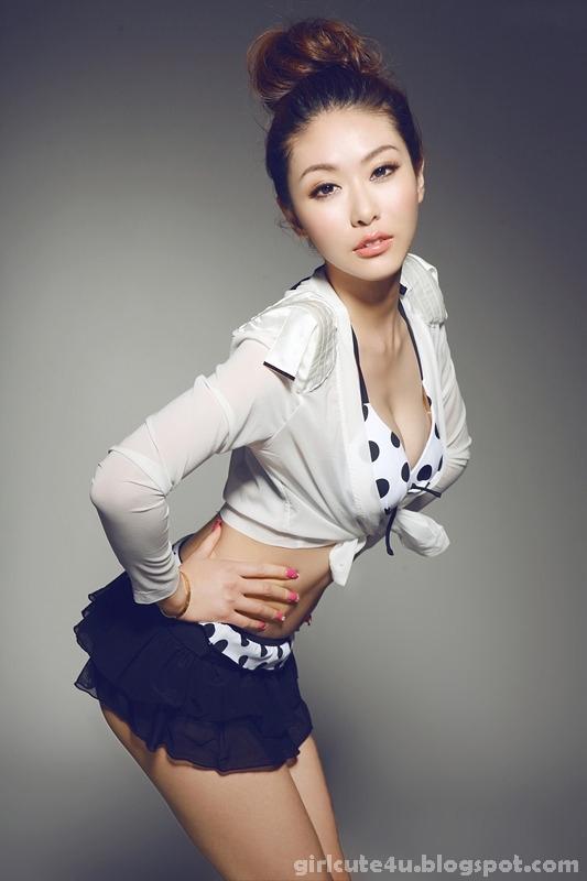xxx nude girls: Very cute asian girl Maid Lin Rui Yu