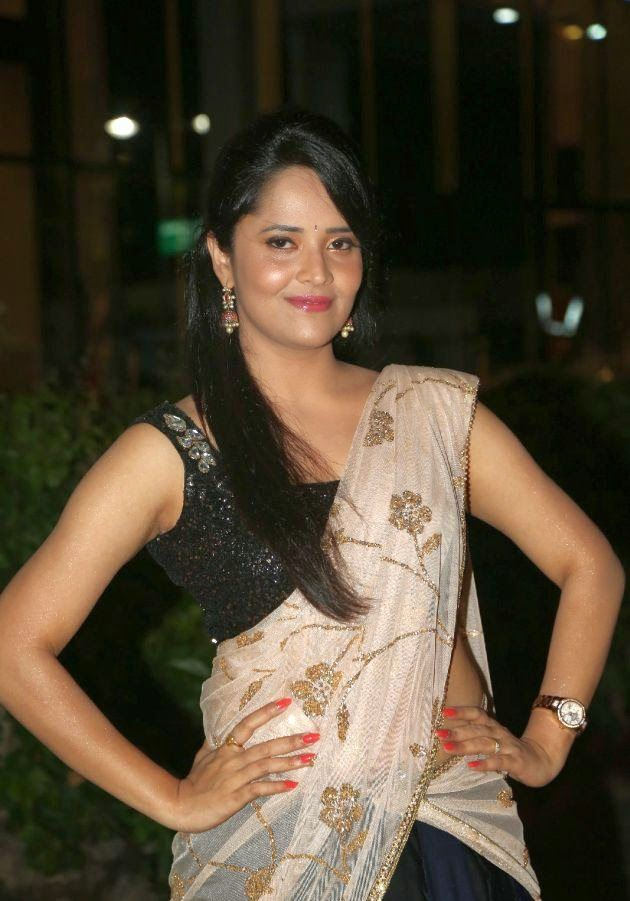 Anchor Anasuya hot navel photos