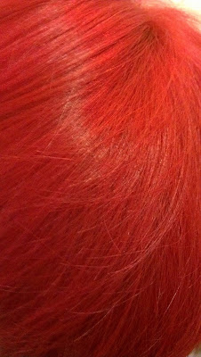 Manic Panic Pillabox Red dye hair swatch