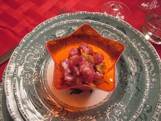Bicchierini con crema di fagioli e salame