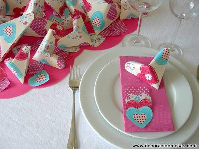 decoracion mesa corazones servilletas