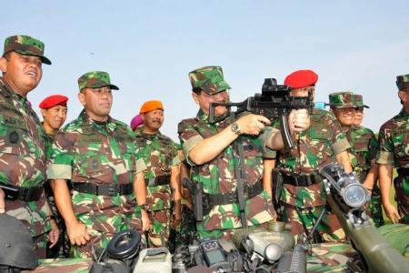 Dilandasi profesionalisme, semangat juang, dan soliditas, TNI bersama