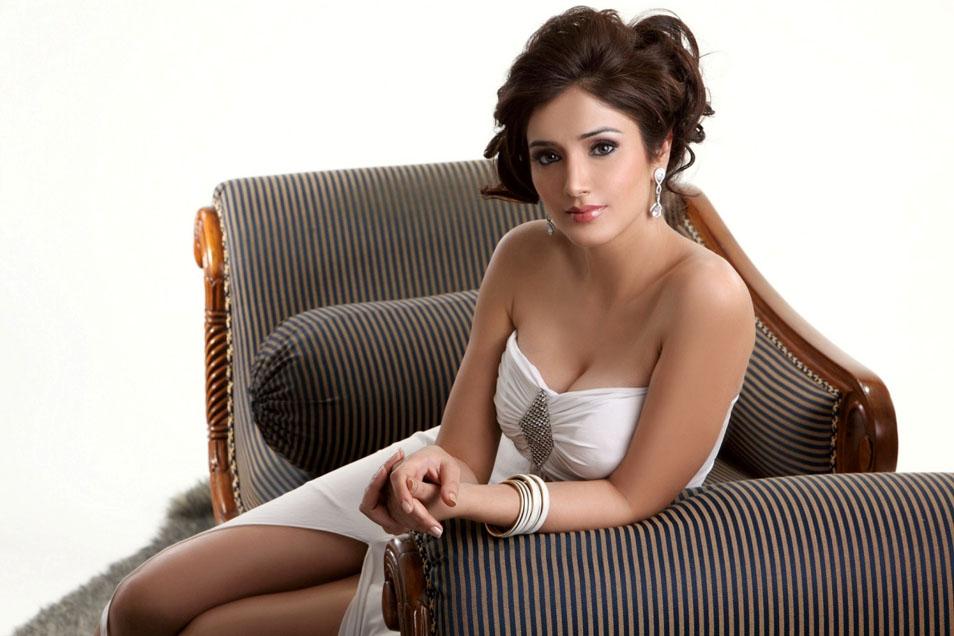 , Navina Bhatia Model Gallery