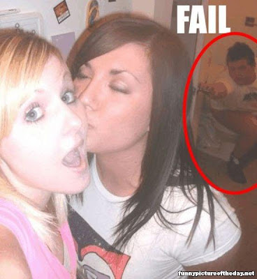 Epic Fail Girls Kissing Little Brother On Toilet Photobomb