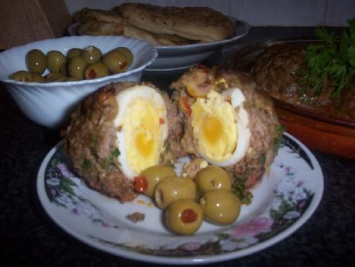 وصفة اللحم المفروم محشي بيض وزيتون