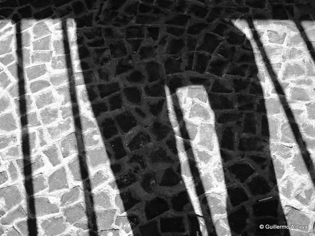 Blocked lights - No. 16, by Guillermo Aldaya / PhotoConversa
