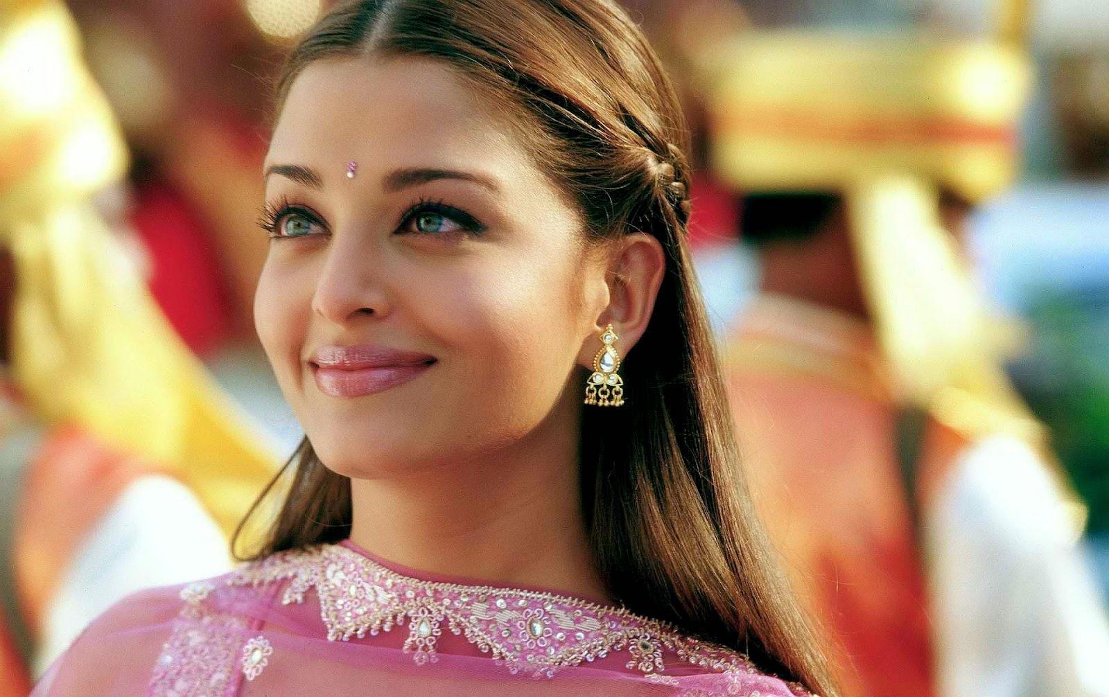 Aishwarya rai in pink dress cute smile sexy wallpapers