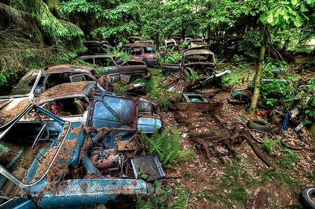 Chatillion-Car-Graveyard-1