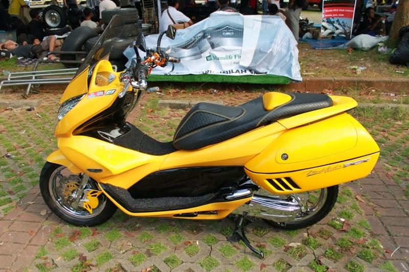 Modifikasi Honda PCX 125 Kuning
