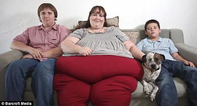 世界最胖的美女 700公斤:世界最胖的美女!美國婦人體重破700公斤還想增重