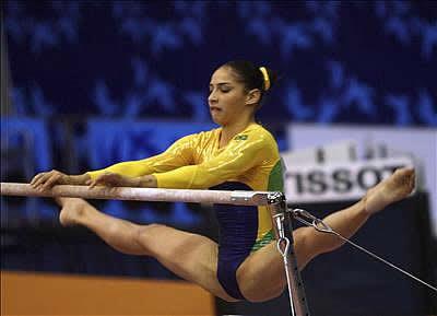 Sarrando na gostosa na ginastica