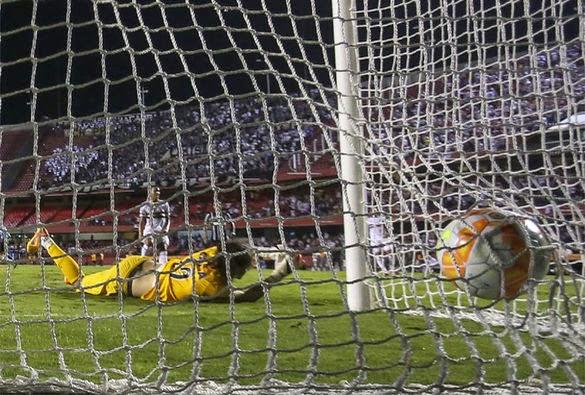 Corinthians apatico perde para o São Paulo