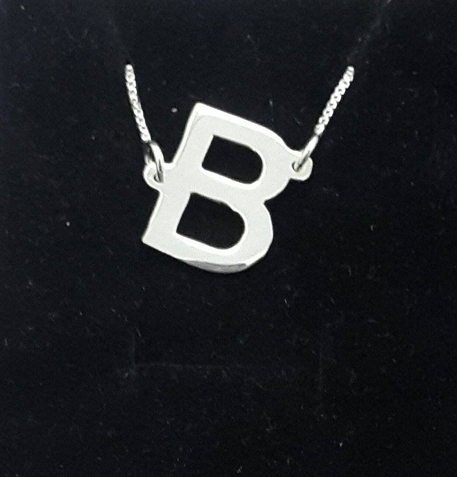 PersJewel initial necklace
