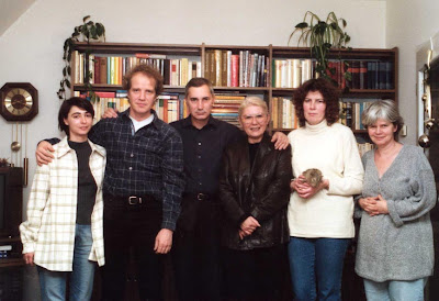 Biljana van de Loo (bis Juni 2002), Jan van de Loo, Harald Kampffmeyer,Gordana Milanovic, Cornelia Kampffmeyer, Gabriele Senft