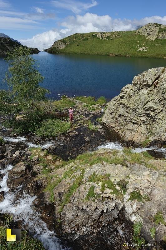 valérie blachier au dessus du lac noir photo pascal blachier