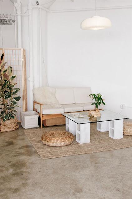طاولة لصالون البيت مصنوعة بالياجور