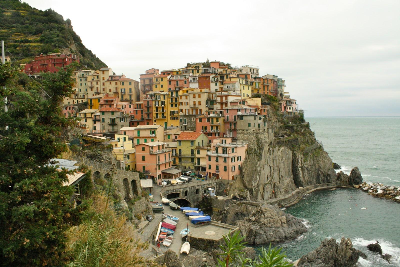 Beautiful Manarola The Second Town In Coastal Necklace Of Cinque Terre
