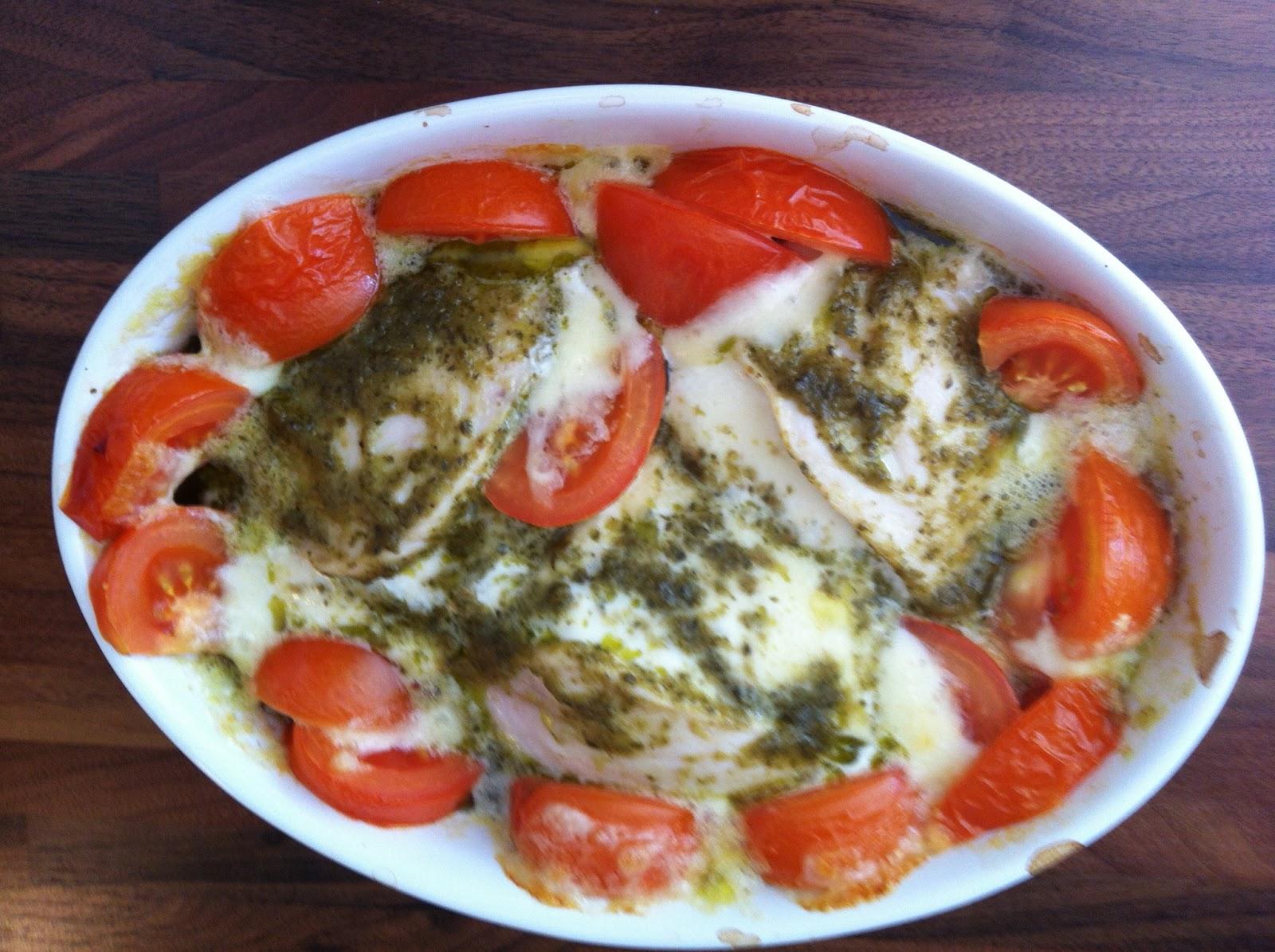 Tomaatti mozzarella uunissa