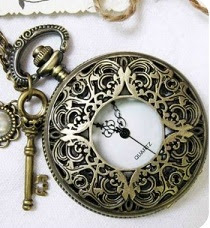 Collar Inglés Clock Vintage