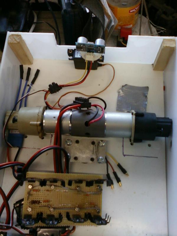 diy cutflower tondeuse robot par arduino mise en place des composants. Black Bedroom Furniture Sets. Home Design Ideas