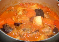 simple northeast Chinese recipe stew with beef tomato potato and aubergine