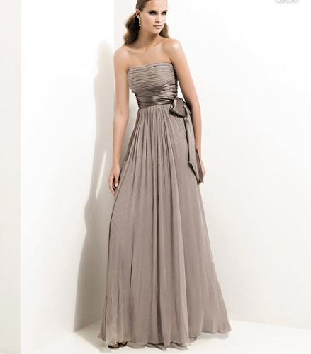 Nisan Elbiseleri
