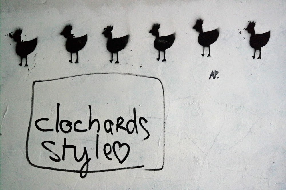 Graffiti of chickens