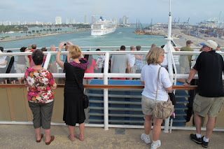 Following the Norwegian Pearl out of Miami