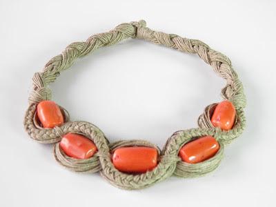 rękodzieło naszyjnik z lnu Ekokoral , koral , biżuteria z korala